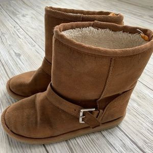 🏷Ugg - like boots by Children's Place